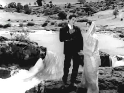 Raah Bani Khud Manzil Lyrics - Hemanta Kumar Mukhopadhyay