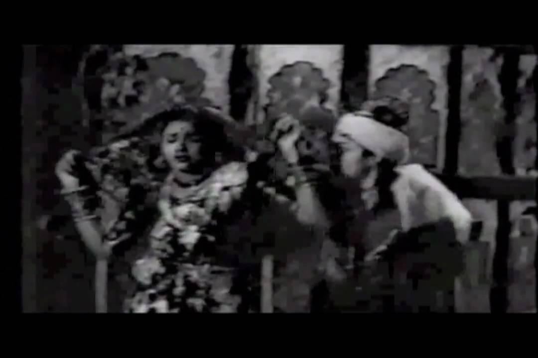 Sun Sun Madras Ki Chhori Lyrics - Asha Bhosle, Geeta Ghosh Roy Chowdhuri (Geeta Dutt)